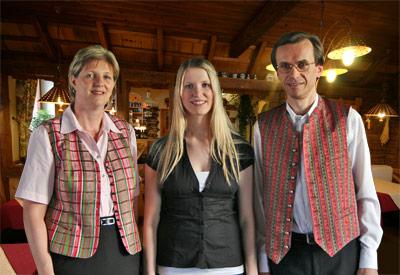 Herzlich Willkommen bei der Familie Friesenbichler im Retteneggerhof  & Pizzakeller in Rettenegg in der Kraftspenderegion Joglland Waldheimat.